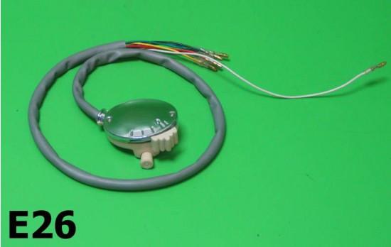 Interruttore luci con pulsante clacson separata