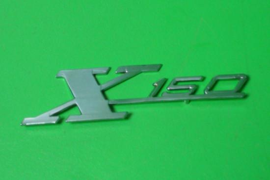 """Scritta """"X 150"""""""