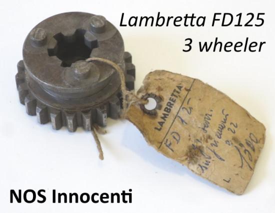 Ingranaggio z22 originale NOS Innocenti cambio Lambretta FD125 3 motocarro