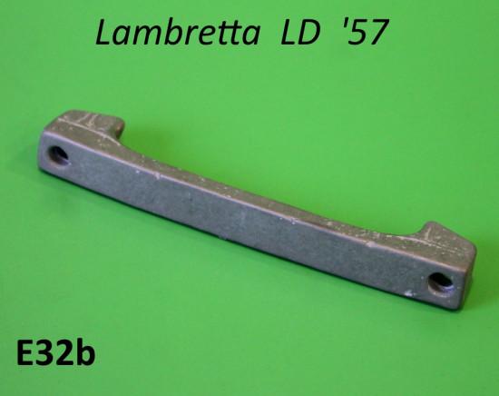 Traversino supporto fanale posteriore Lambretta LD '57
