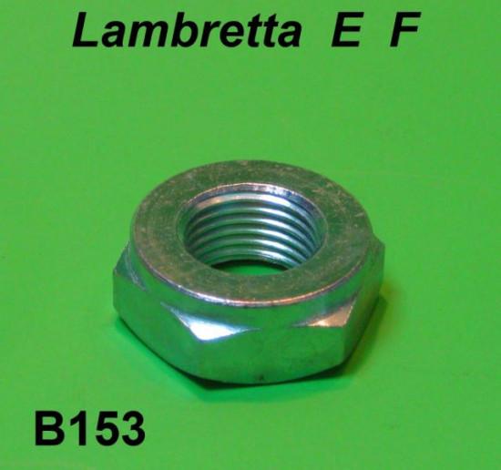 Dado bloccaggio mozzo posteriore nichelato Lambretta E F