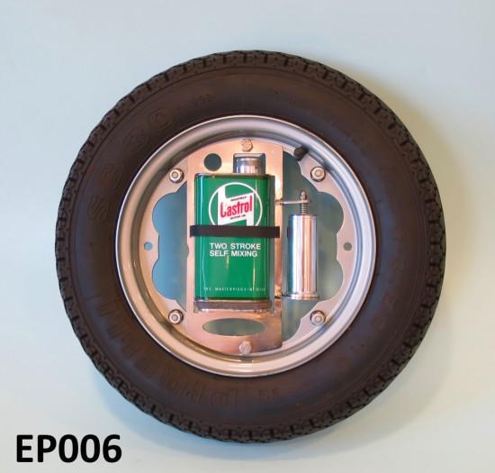 Contenitore + dosatore Castrol di olio 2 tempi per ruota di scorta (verde)