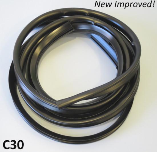 Coppia profili neri per cofani laterali Lambretta LC + LD + DL + Serveta