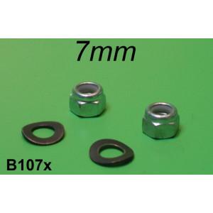 Coppia dadi autobloccanti nyloc + rondelle 7mm per collettore aspirazione Lambretta S1 S2 S3 DL SX TV Special J Lui
