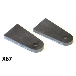 Coppia staffe in ferro per montaggio ammortizzatori anteriori Lambretta J + Lui