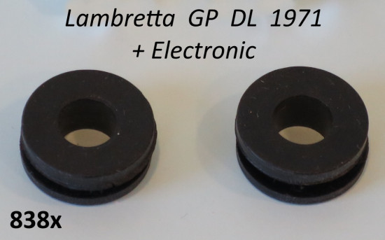Pair of rubber grommets for special nuts to mount rear light unit Lambretta GP DL + Electronic 1971