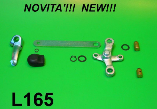 Complete gear linkage set (on top of engine)