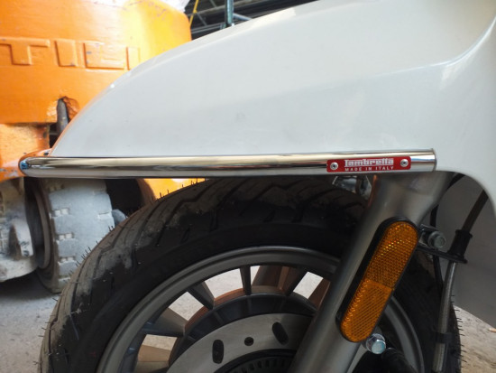 Bumper front chrome fix for New Lambretta (FOR ONLY FISSED MUDGUARD)