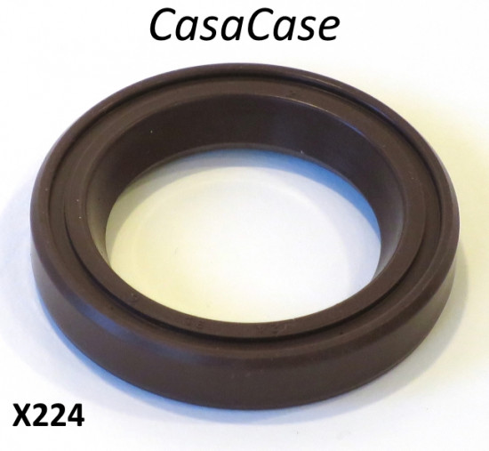 Viton crankshaft oilseal for CasaCase engine casing