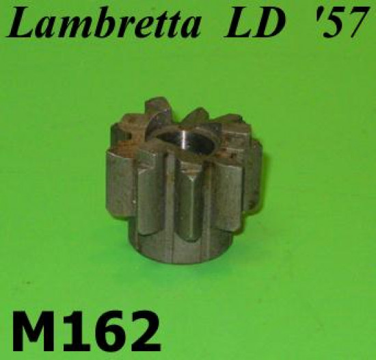 Kickstart gear cog T9 Lambretta D LD '57 (medium shouldered type  - very last prod.)