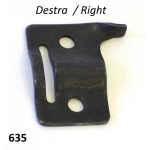 Right sidepanel fixing W clip bracket Lambretta S3 + TV3 + SX + J (Vers. 1)