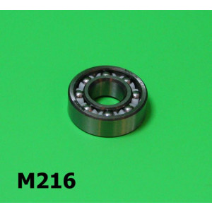 Rear axle layshaft bearing