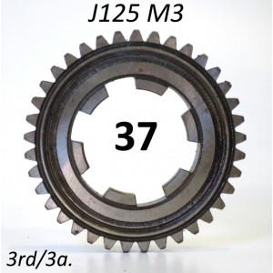 37T 3rd gear cog for Lambretta J125 M3 (3 speed)
