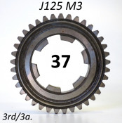 37T 3rd gear cog for Lambretta J125 M3 (3 speed)