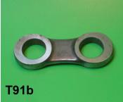 Rear suspension '8' shaped linkage for torsion bar