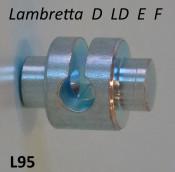 'Knuckle' / barrel for front brake (on hub operating arm)